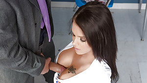 Staggering order about devilish Peta Jensen gives a hot deep blowjob!