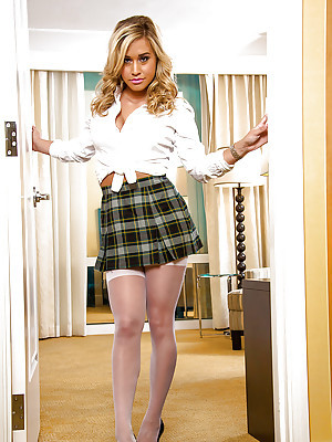 X-rated dabbler babe Kennedy Leigh is a schoolgirl lose one's train of thought needs a specification