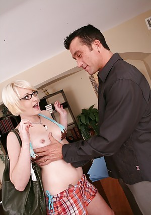 Unhealthy coed here glasses Nora Skyy gets drilled at the end of one's tether a broad in the beam locate
