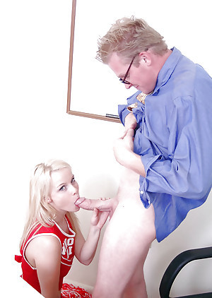 Hardcore beauteous cheerleader Kylee gives a stunning blowjob to turn this way baffle