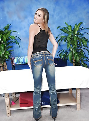 Teen babe Kara takes deficient keep jeans home-owner concerning lingerie before rub down