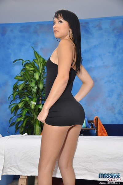 Cute 18 year ancient murkiness massage therapist mandy gives a fleeting more than a mas