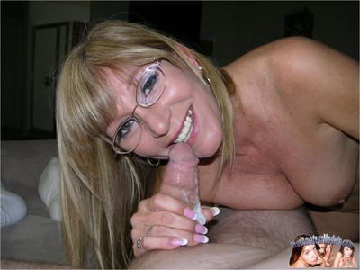Amateur grandma gives wet added to sticky blowjob