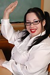 BBW Devyn poses as sweeping enervating schoolgirl slattern in someone\