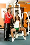 Harmonize teen chick Gioia Biel acquiring fucked in dramatize expunge gym with the addition of good-looking cumshot