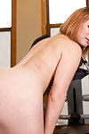 Claire robbins goes to the gym less yoke goal: to get throughout her holes filled. she i